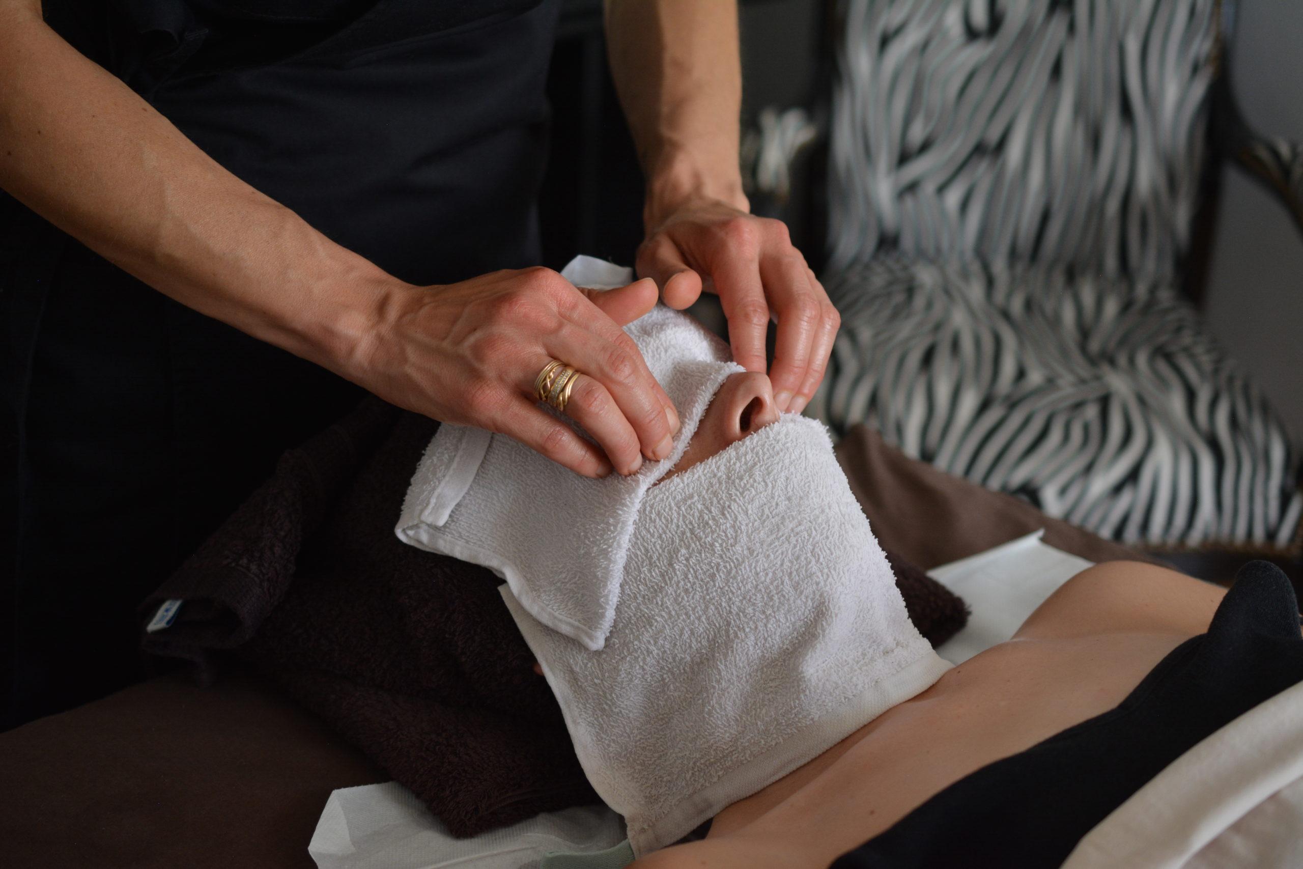 Le Massage Des Paupières : Pour Qui? Pour Quoi?